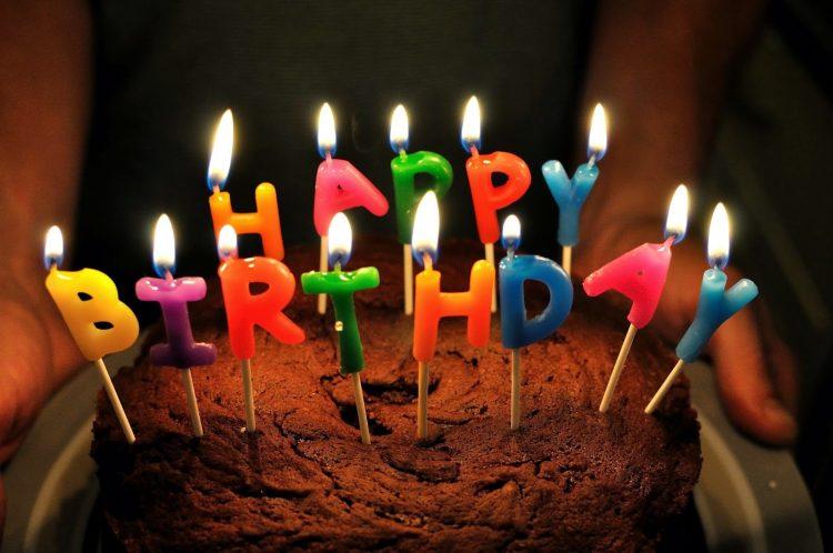tiup lilin kek, tiup lilin birthday, hukum tiup lilin, kebersihan kek, meniup lilin kek, elakkan meniup lilin kek