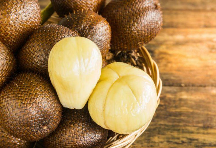 7 mitos makanan berbahaya, makanan berbahaya, nanas berbahaya untuk ibu mengandung, bawang berbau, salak sembelit, timun punca keputihan