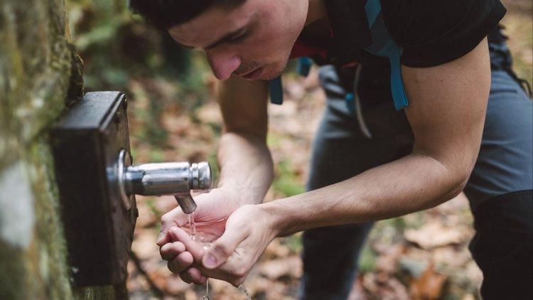 badan tak cukup air, kesan bila tak cukup air, kesan tak minum air yang cukup, minum air cukup,