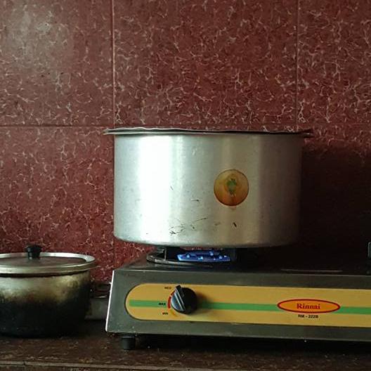 bakar kek tanpa oven, bakar biskut tanpa oven, jadikan periuk sebagai oven, jadikan kuali sebagai oven,