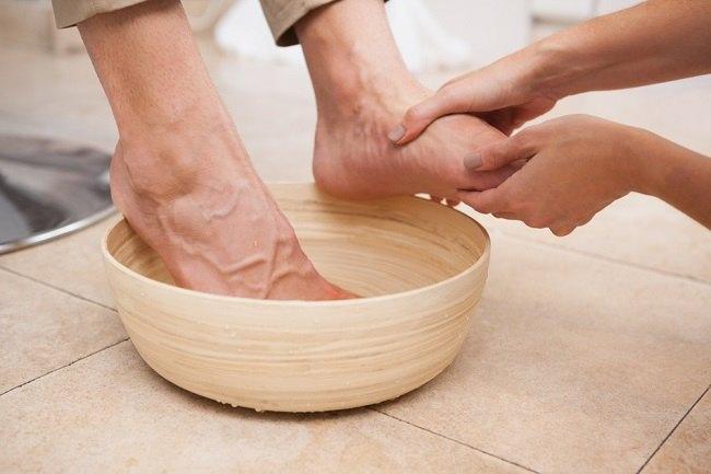 rendam kaki dengan cuka, rendam kaki dengan air cuka, petua rendam kaki, kelebihan rendam kaki dengan cuka, manfaat rendam kaki dengan cuka