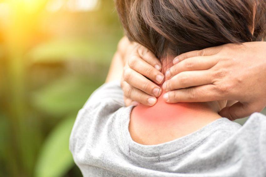 sakit tengkuk, sakit leher, sakit tengkuk leher, punca sakit tengkuk, cara rawat sakit tengkuk, senaman untuk sakit tengkuk