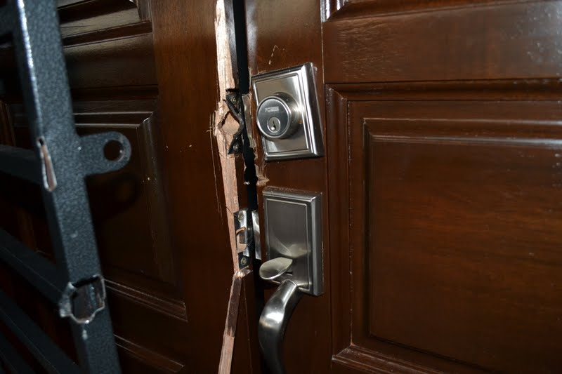 perompak pecah masuk rumah, cara perompak pecah masuk rumah, rumah di masuki pencuri, rumah kena pecah, pasang CCTV