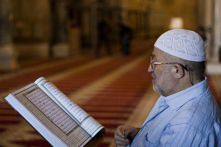 aktiviti bulan ramadhan, amalan bulan ramadhan, pahala bulan ramadhan, solat jemaah bulan ramadhan, solat terawih bulan ramadhan