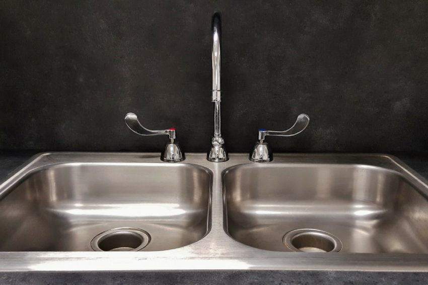 sinki, cara bersihkan sinki, cuci sinki, bersihkan daki sinki, sinki kotor, sinki tersumbat, sinki berbau busuk