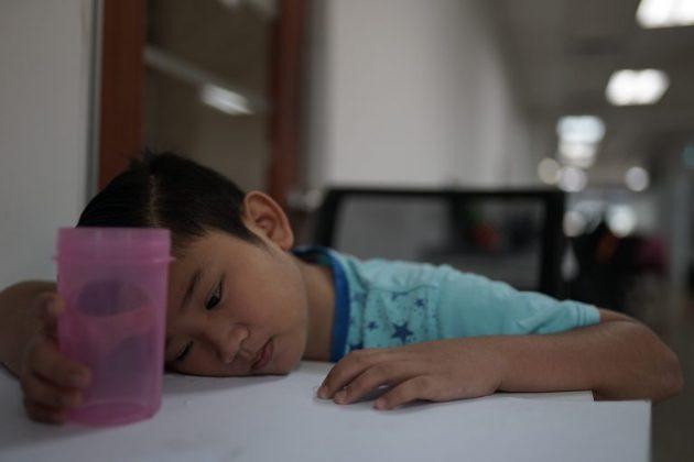 5 Ragam Anak-Anak Ketika Berpuasa. Belum Maghrib Lagi Dia Dah Tolong Azan 2